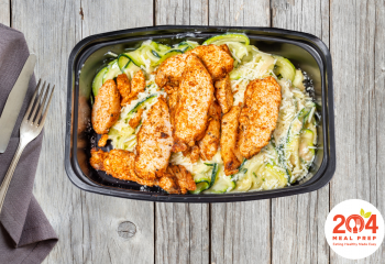 Blackened Chicken w/ Zoodles & Cheese Sauce | Keto