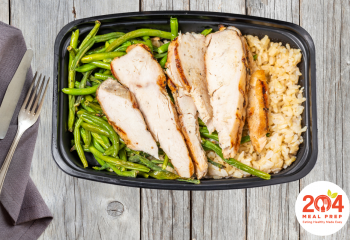 Grilled Chicken Breast with Brown Rice & Chefs Vegetables | Lean