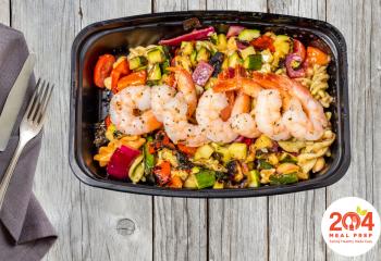 Mediterranean Salad with Shrimp | Lean